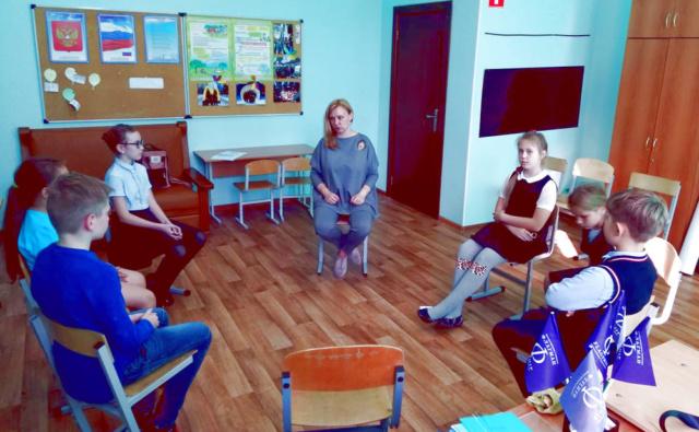 Занятия по подготовке волонтёров в гимназии «Флагман»