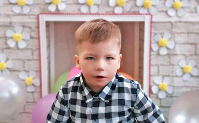 Thumbnail для -  Султанов Артемий, 5 лет, Синдром Мебиуса, эквиноварусная установка стоп 3 степени тяжести, г.Выкса (Нижегородская область)